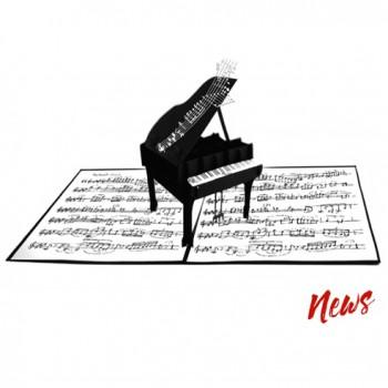 Biglietti Auguri Origami - Pianoforte 15,5 x 15,5 cm.